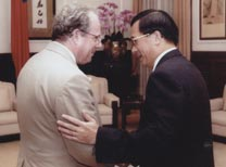 Chen and Stone after Chen's 2000 election